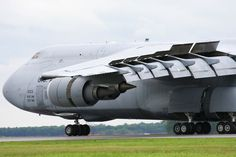 """""""Check out the large slats and flaps as this completes its demo at Dover also take note of the updated engines on the new 1200 pixels for more detail"""" That is a sexy beast ^. Us Military Aircraft, Cargo Aircraft, Military Jets, Military Vehicles, Airplane History, C 5 Galaxy, Galaxy Note, Cargo Transport, Aircraft Pictures"""
