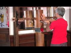 WING TSUN The myth of the wooden dummy - YouTube