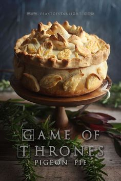Game of Thrones: Pigeon Pie - Feast of Starlight Game Of Thrones Food, Game Of Thrones Party, Quiches, Pigeon Pie, Pie Recipes, Cooking Recipes, Cooking Games, Cooking Pork, Gastronomia
