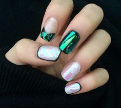 Weirdest 2015 Beauty Trends: Shattered Glass Nails  #glassnails #nails
