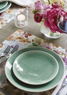 Handcrafted by a famed French ceramics factory founded in 1857, our casual, elegant dinnerware collection is all about the glaze. Two unique finishes coat the clean, modern shapes with satin exteriors and vivid reactive glaze interiors. Offering the strength and durability of high-fired stoneware, each piece exhibits its own distinctive glazing effects.
