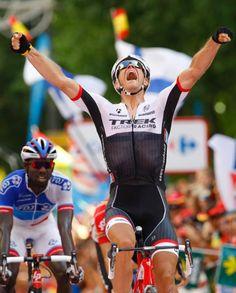 Jasper Stuyven wins stage 8