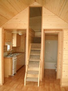 Great stair vs ladder for tiny house - Tiny House on Roids