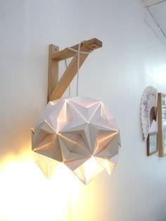 Appliques murales, Luminaire Origami blanc et beige est une création orginale de RueRivoirette sur DaWanda