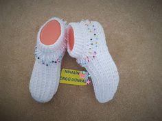 Crochet Socks, Knit Crochet, Diy Flowers, Cute Shoes, Baby Dress, Bandana, Diy And Crafts, Ciabatta, Adidas Sneakers