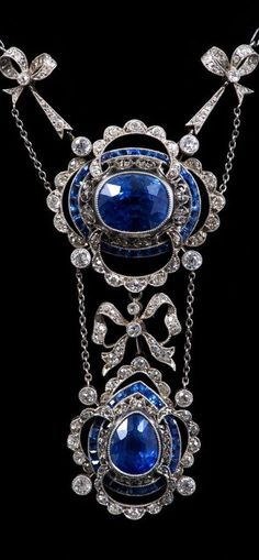 Fine early twentieth century Belle Epoque sapphire & diamond necklace, the principle oval mixed cut cornflower blue sapphire estimated to weigh approx carats. Belle Epoque, Edwardian Jewelry, Antique Jewelry, Vintage Jewelry, Handmade Jewelry, Bijoux Art Nouveau, Art Nouveau Jewelry, I Love Jewelry, Fine Jewelry