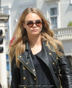Cara Delevingne leaving a hotel pictures Celebrity Red Carpet, Cara Delevingne, Music Awards, Female Models, Leather Jacket, Celebrities, Hair Styles, Opera House, Stretches