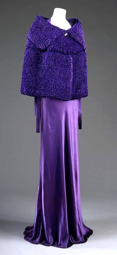Photo of Evening dress, Jeanne Lanvin, 1935, France. Museum no. T.340-1965. © Victoria and Albert Museum, London