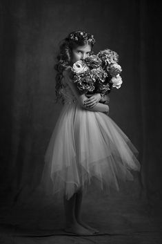 Untitled Children Photography, Fine Art Photography, Portrait Photography, Portrait Poses, Studio Portraits, Photo Bb, Foto Fantasy, Girl Photo Shoots, Kid Poses