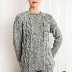 GG19-24 Traktor genser & lue lys grå | Gjestal Pullover, Sweaters, Fashion, Moda, Sweater, Fasion, Trendy Fashion, Pullover Sweaters