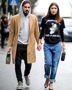 Casual couple outfit goals.