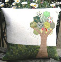 Kissen Hexagon-Baum Throw Pillows, Paper, Scrappy Quilts, Tree Structure, Pillows, Toss Pillows, Cushions, Decorative Pillows, Decor Pillows