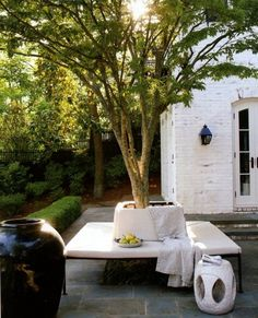 gorgeous tree seat - darryl carter  http://www.markdsikes.com/2012/05/01/darryl-carter-a-moment/