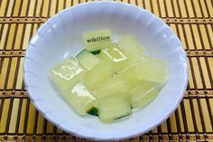 How to Use Aloe Ice Cubes to Treat a Sunburn from @wikiHow. If that summertime sun burn has you in pain, try this Aloe Ice Cube DIY to treat the sting!