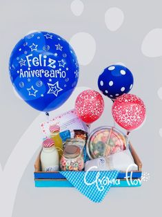 Birthday Balloon Decorations, Baby Crafts, Gift Baskets, Ideas Para, Balloons, Lettering, Cake, Party, Gifts