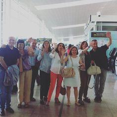 Los padres del grupo #BostonCurry les desean buen viaje a sus hijos HASTA LA VUELTA A #Barcelona  #WeLoveBS  #inglés #idiomas #cursos #viaje #travel #aeropuerto #padres #jóvenes #adolescentes