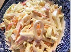 """1. Салат """"Мартовский"""" Ингредиенты на 500 грамм кальмаров: - 5 свежих огурчиков;- банка консервированных ананасов;- 5 яиц;- густой майонез;- лимон. Приготовление: Подготавливаем кальмаров для салатаДл…"""