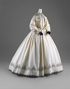 Promenade dress Date: 1862–64 Culture: American Medium: cotton Dimensions: [no dimensions available] Credit Line: Gift of Chauncey Stillman, 1960