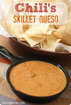 Chili's Skillet Queso : This tastes EXACT to Chili's queso! And let's be honest - the queso is the only really GOOD thing at Chili's. Appetizer Dips, Appetizer Recipes, Snack Recipes, Cooking Recipes, Snacks, Dog Recipes, Muffin Recipes, Drink Recipes, Cooking Tips