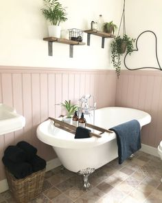 Pink cladding and white stand alone bath tub in the bathroom – small Family Bathroom, Downstairs Bathroom, Small Bathroom, Bathroom Ideas, Bathroom Pink, Master Bathroom, Bathroom Bath, Boho Bathroom, Bathroom Inspo