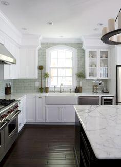 Красивый дизайн кухонного фартука от Fiorella Design