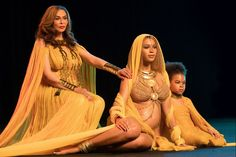 Pregnant with twins Beyoncé, Mom Tina and daughter  Blue Get the Golden Treatment Feb 2017 PEOPLE.com