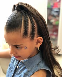 The image may contain: - Acconciature Per Bambina - Baby Hair Lil Girl Hairstyles, Braided Hairstyles, Ariel Hair, Girl Hair Dos, Curly Hair Styles, Natural Hair Styles, Toddler Hair, Hair Upstyles, Hair Hacks