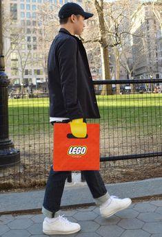 Original bolsa de Lego que nos introduce en su mundo #comercio #retail #packaging