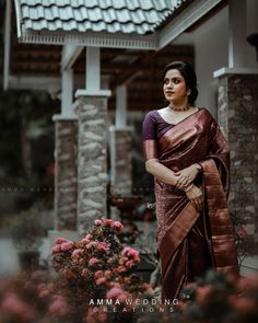 Kanjivaram Sarees Silk, Casual Dresses, Fashion Dresses, Sari Dress, Engagement Ideas, Saree Styles, Indian Weddings, Picture Poses, Saree Collection