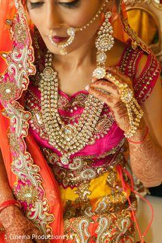 Gorgeous clear gem kundan http://www.maharaniweddings.com/gallery/photo/90125