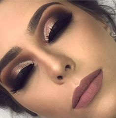 Choosing and Applying The Perfect Make-up Foundation – Make Up Tips Makeup Tips, Beauty Makeup, Eye Makeup, Yellow Skin Tone, School Makeup, How To Apply Makeup, Applying Makeup, Makeup For Beginners, Makeup Application