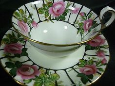 AYNSLEY CABINET ANTIQUE TEA CUP AND SAUCER pink roses IN ABUNDANCE BLK. DETAIL
