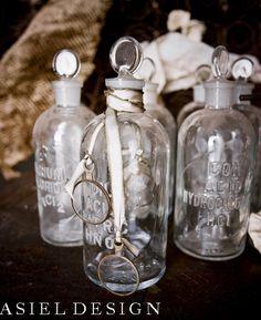 Steampunk | Wedding | Wooden Wheel | Glass Vials | Vintage | Silver Flower | Asiel Design