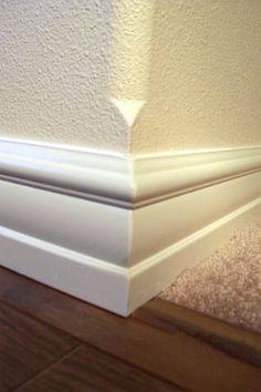 3 tips and ideas on how to change paint colours on a Bullnose or Rounded Drywall Corner - Kylie M Interiors