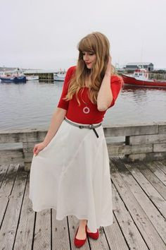 White and red perfection. Click for more info! #stylegallery #nautical