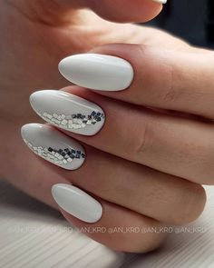 Winter Manicure Trendy Winter Nail Art Design, Trends&Photo Ideas of Winter - Nails Winter Nail Designs, Winter Nail Art, Nail Polish Designs, Winter Nails, Nail Art Designs, Nail Color Trends, Nail Colors, Nails Design With Rhinestones, Seasonal Nails