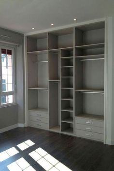 35 Best Walk in Closet Ideas and Picture Your Master Bedroom Looking for some fresh ideas to remodel your closet? Visit our gallery of leading best walk in closet design ideas and pictures. Walk In Closet Design, Wardrobe Design Bedroom, Master Bedroom Closet, Wardrobe Closet, Closet Designs, Closet Space, Bedroom Decor, Decor Room, Closet Doors