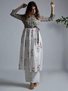 ideas birthday dress women casual long sleeve for 2019 Kurta Designs Women, Kurti Neck Designs, Blouse Designs, Stylish Dresses, Casual Dresses For Women, Clothes For Women, Indian Designer Outfits, Indian Outfits, Birthday Dress Women
