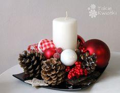 Znalezione obrazy dla zapytania stroiki świąteczne Christmas Wreaths, Holiday Decor, Home Decor, Decoration Home, Room Decor, Home Interior Design, Home Decoration, Interior Design