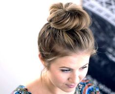 Trendy Hairstyles For Medium Length Hair Messy Bun Top Knot Face Shape Hairstyles, Hairstyles With Bangs, Trendy Hairstyles, Girl Hairstyles, Braided Hairstyles, Wedge Hairstyles, Updos Hairstyle, Brunette Hairstyles, Hair Tutorials For Medium Hair
