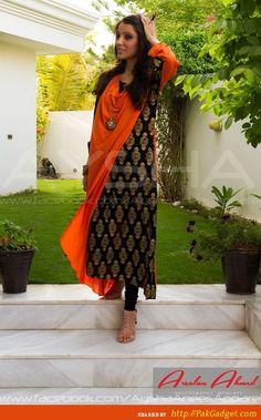 Casual Kurtis, Long Shirts by Ayesha Anees I like the style but wouldn't wear it in these colours. Salwar Designs, Indian Attire, Indian Ethnic Wear, Pakistani Outfits, Indian Outfits, Ethnic Fashion, Asian Fashion, Anarkali, Lehenga