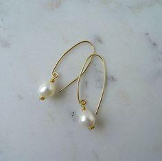 White Pearl drop earrings (medium length) - boho bridal by CalicoRoseStudio on Etsy
