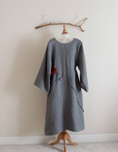 plus size custom fit pleated flower long linen dress / dress for women / plus size comfy dress / petite dress / gray linen dress / flowers