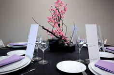 """Centre de taula """"Ikebana"""" rosa. www.eventosycompromiso.com"""