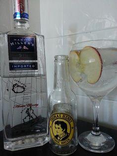 Martin Millers Gin con Thomas Henry Tonic Water y Manzana Royal Gala