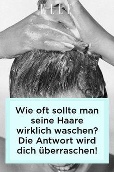 Diese Frage spaltet seit jeher die Geister. Wir verraten jetzt, wie oft man seine Haare wirklich waschen sollte – laut Experten. Mehr auf Elle.de! #beauty #haut #hautpflege #skincare