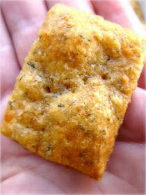 Family Feedbag: Dill cheddar crackers