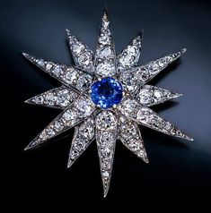 thegryphonsnest:    Victorian Diamond & Sapphire Star Brooch     Russian hallmarks place this brooch between 1899 and 1908
