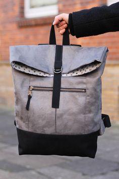 Range backback by noodlehead sewing backpack handmade bag seemannsgarn handmade Diy Backpack, Rucksack Backpack, Bag Sewing, Backpack Pattern, Backpack Tutorial, Fabric Bags, Cute Bags, Handmade Bags, Laptop Bag