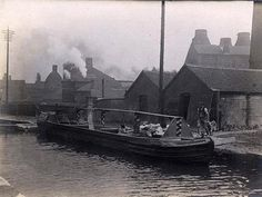 Minton works net to the canal in Stoke - date around 1925. (from the Minton archives).